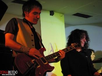 Sonotones + Whisky Caravan + El Perro del Bar en Madrid (Enero de 2012)