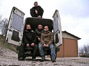 Lendakaris Muertos On the road